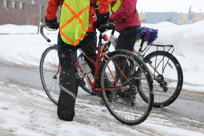 Bien au chaud pour profiter de l'air frais hivernal. © ENvironnement JEUnesse