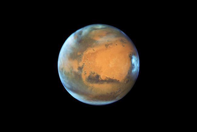 La planète Mars vue par le télescope spatial Hubble.