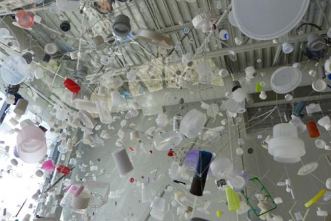 L'œuvre d'art évoquant le continent de plastique