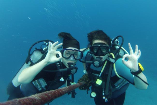 Marika D'Eschambeault et Daphné Laurier-Montpetit en plongée © Daphné Laurier-Montpetit