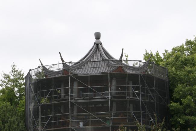 Réfection du Jardin de Chine - Été 2017 - Restauration du pavillon où se figent les nuages empourprés