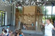 Un groupe scolaire visite le Camp de base / 1 000 jours pour la planète