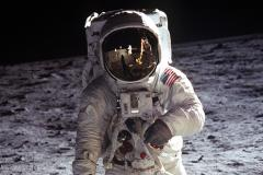 Buzz Aldrin on the surface of the Moon. - carrousel
