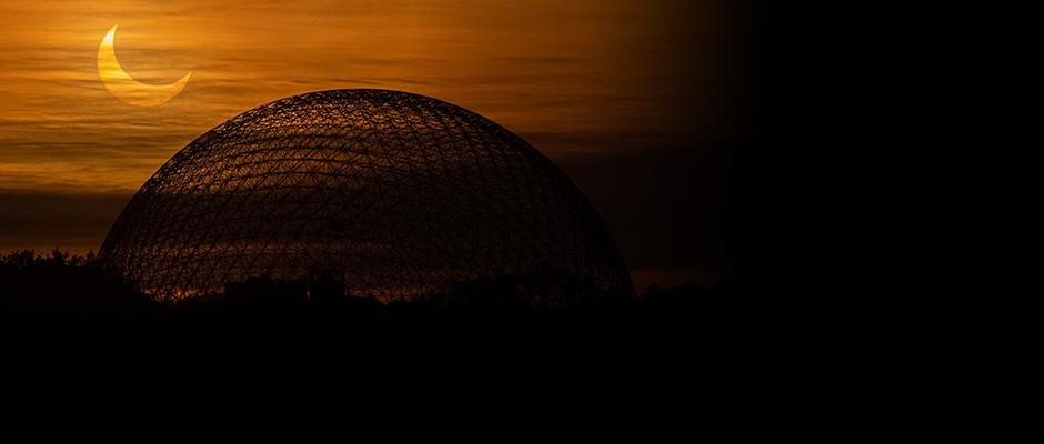 Meditations at the Biosphère on an eclipse morning