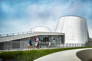 Visitors to the Rio Tinto Alcan Planetarium