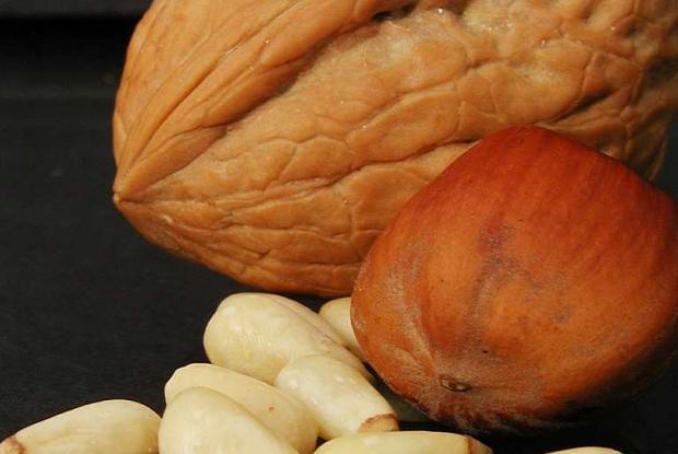 Walnut, hazelnut, pine nuts