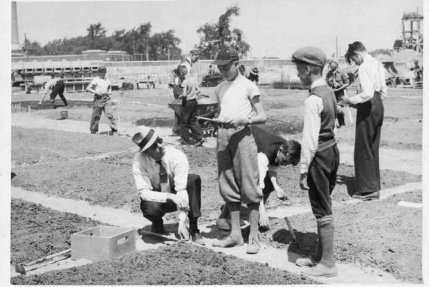 Marcel Racine, fondateur des Jardinets d'écoliers, 1938