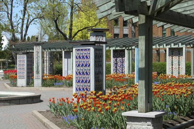 Jardin de la paix espace pour la vie for Restaurant jardin montreal