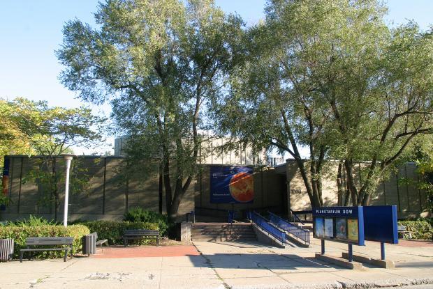 Montréal Planetarium.