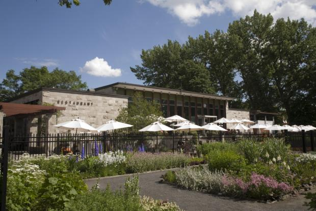 Botanical garden dining areas space for life for Restaurant jardin montreal