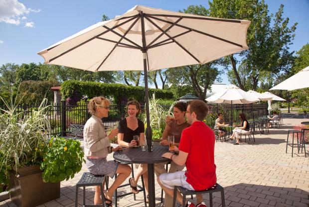 Jardin botanique dining areas space for life - Terrasse jardin botanique montreal poitiers ...